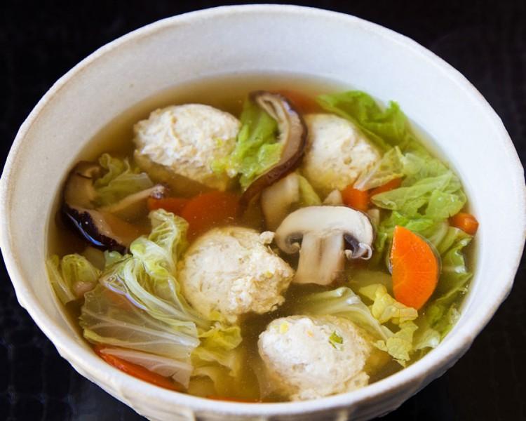 Легкий грибной суп с фрикадельками