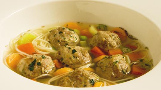 Аппетитный суп с фрикадельками