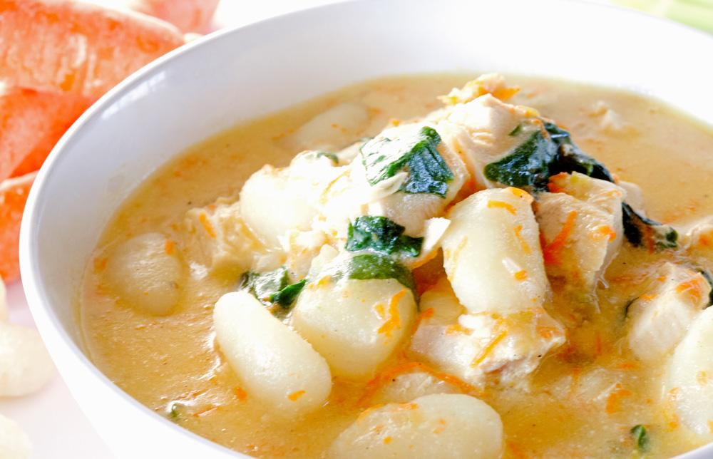 Вкусный суп с клецками из манки