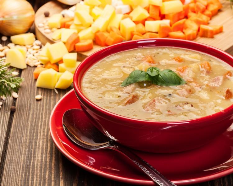 Ароматный гороховый суп с беконом