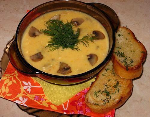 Суп-пюре с грибами и сыром