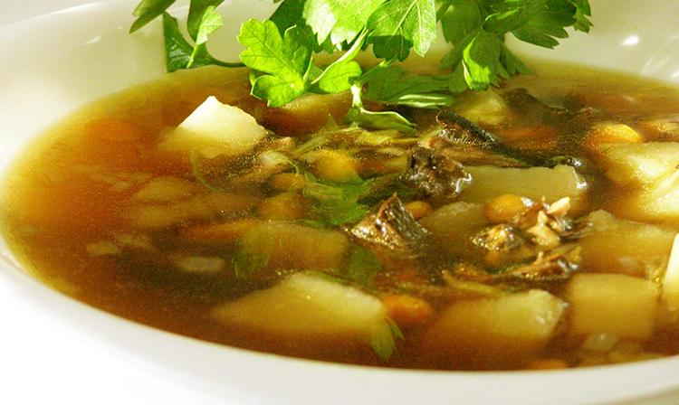 Сытный мясной суп