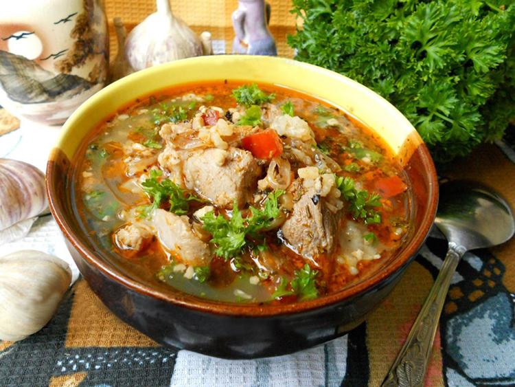 Ароматный свиной суп с рисом