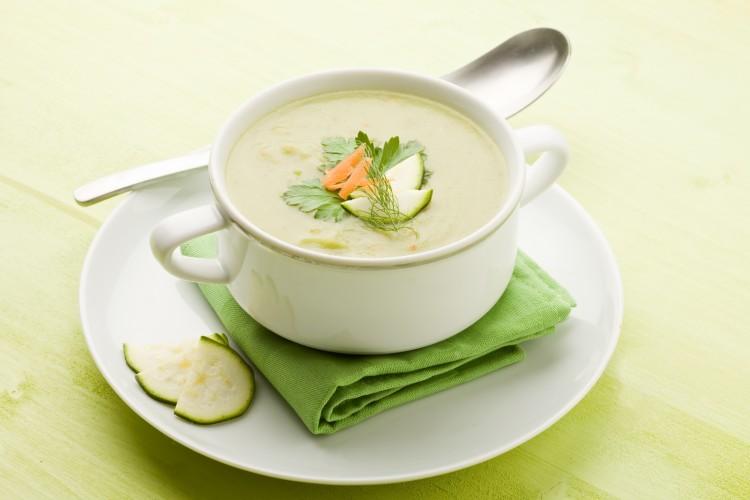 Красивая подача супа-пюре со сливками