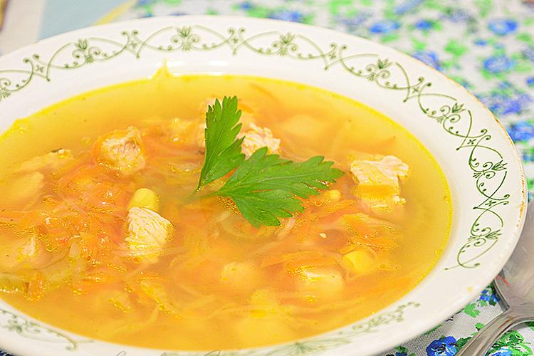 Легкий и сытный суп с капустой