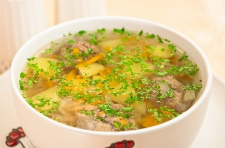 Вкусненький суп со свининой