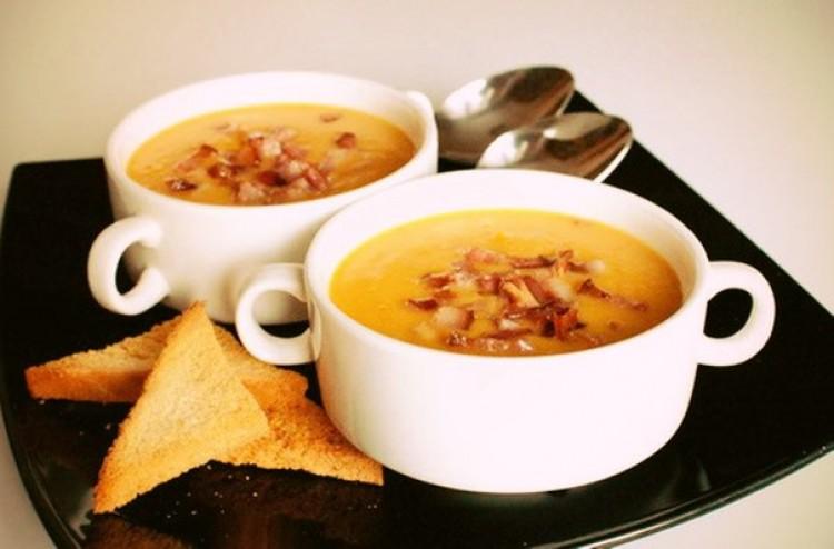 Суп на рёбрышках с гренками