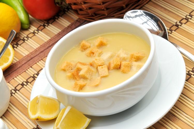 Куриный суп-пюре с гренками