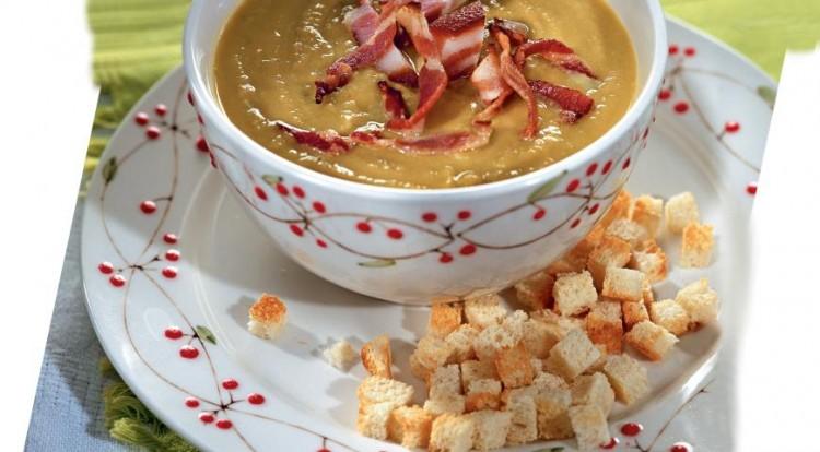 Ароматный суп с копчёной грудинкой