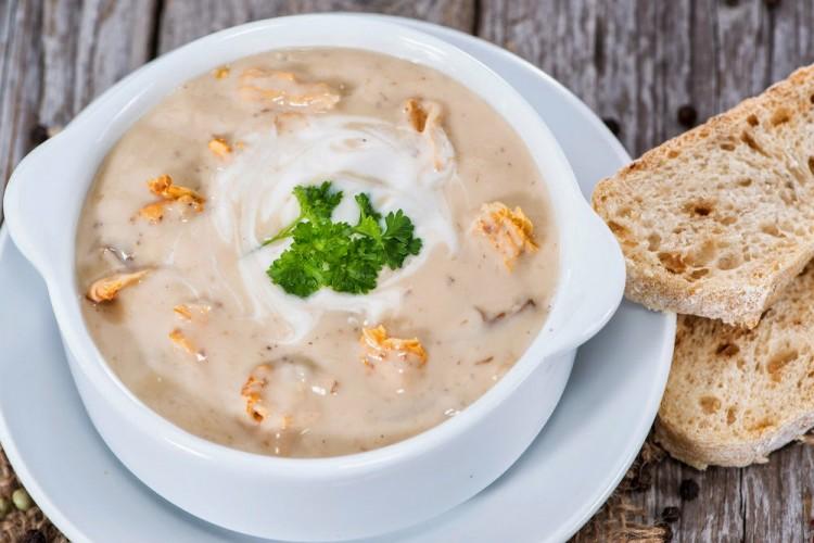 Вкусный сливочный суп из лисичек