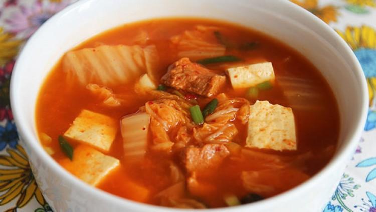 Вкусный суп кимчи
