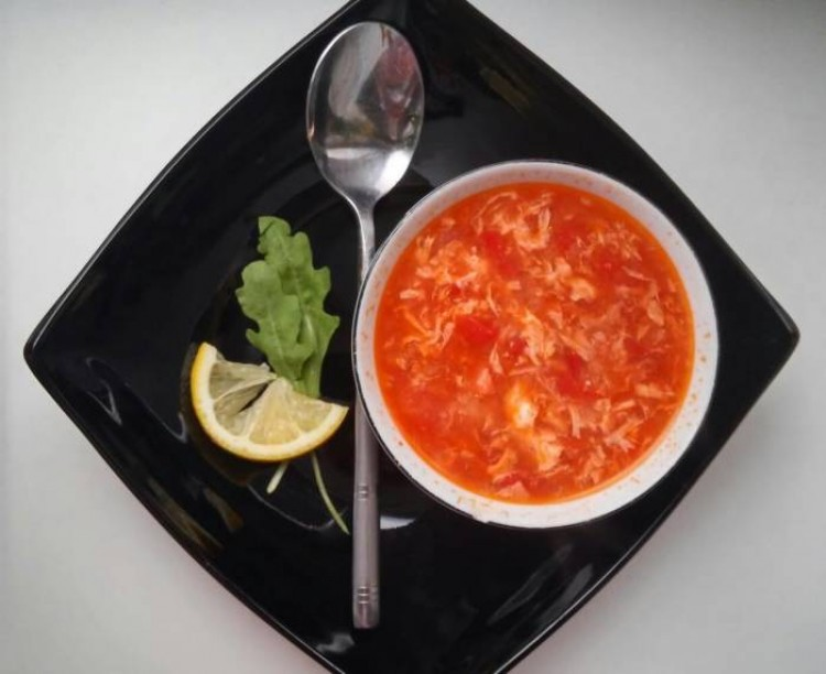 Вкусный супчик с орепродуктами и томатом