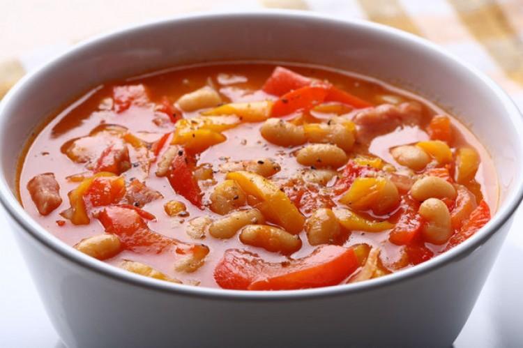 Вкусный суп из красной фасоли