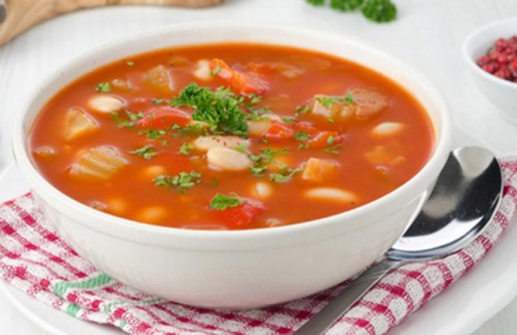 Вкусный суп с фасолью и овощами
