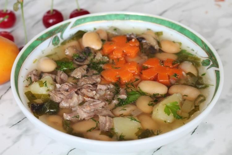 Вкусный суп из белой фасоли с мясом