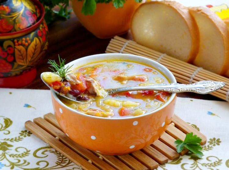 Вкусный супчик с фасолью