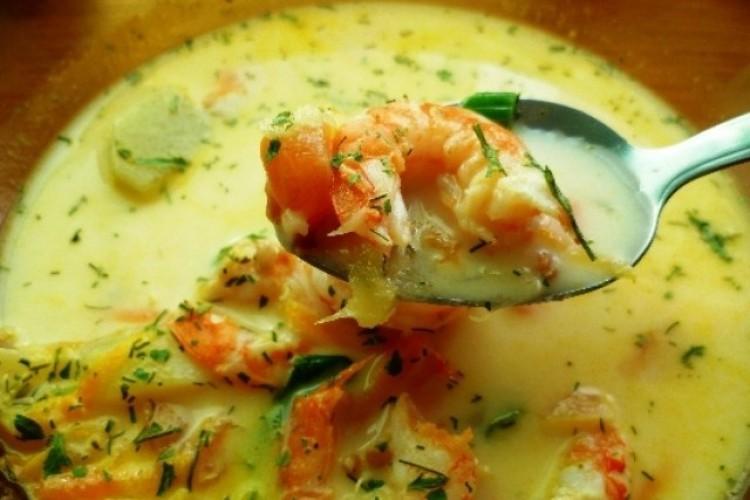 Вкусный сливочный суп с креветками