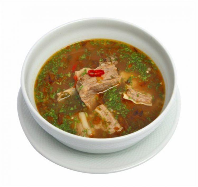 Суп харчо со свининой и рисом подача