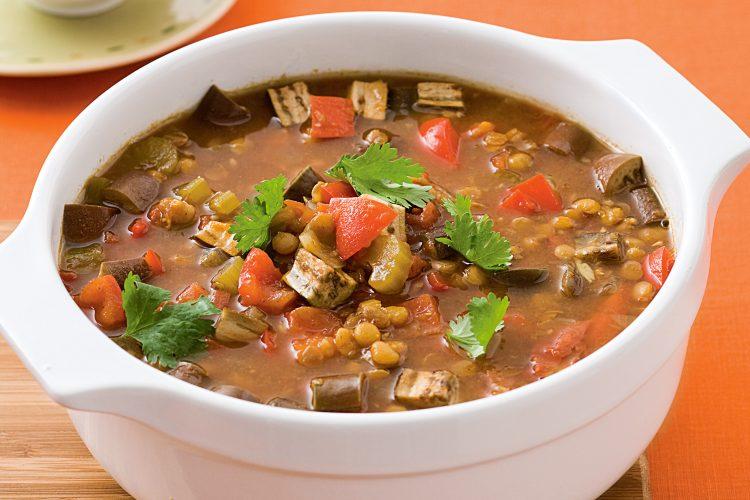Вкусный суп с чечевицей и копчёностями