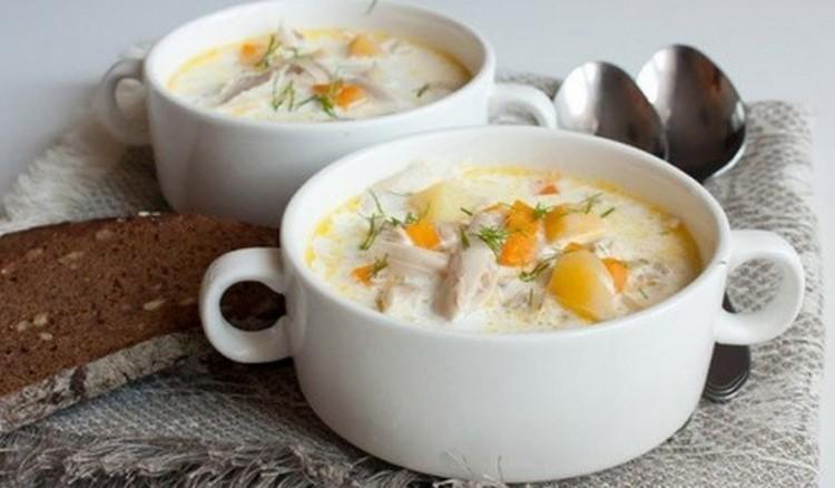 Вкусный суп с сырком и рисом