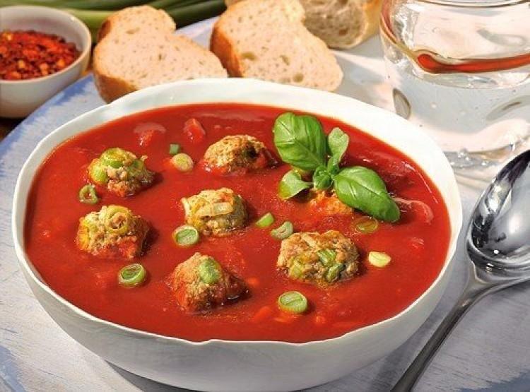 Вкусный томатный суп с фрикадельками