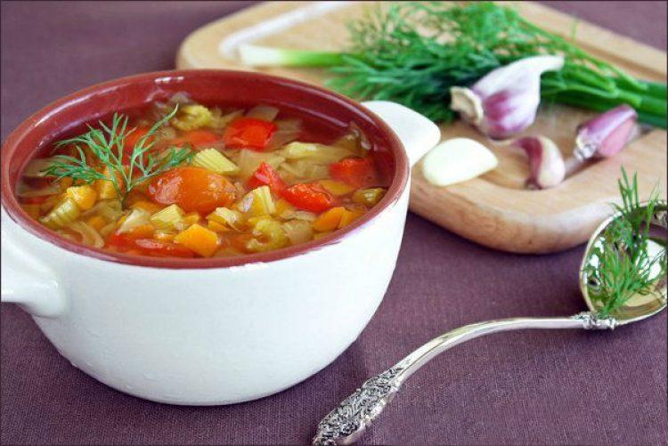 Вкусный диетический суп