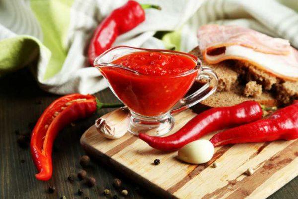 Красный острый соус