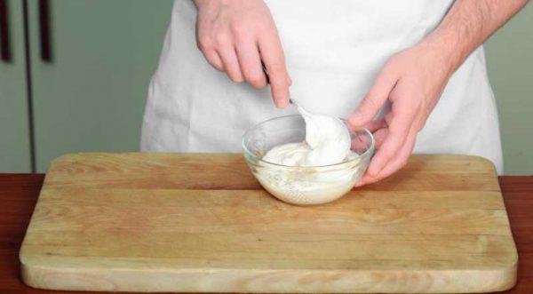 Приготовление сметанного соуса