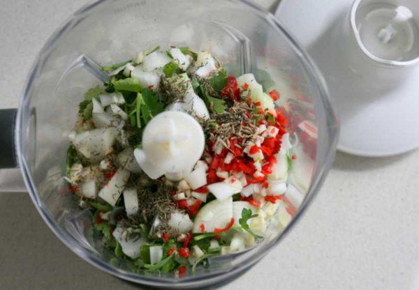 Приготовление соуса чимичури