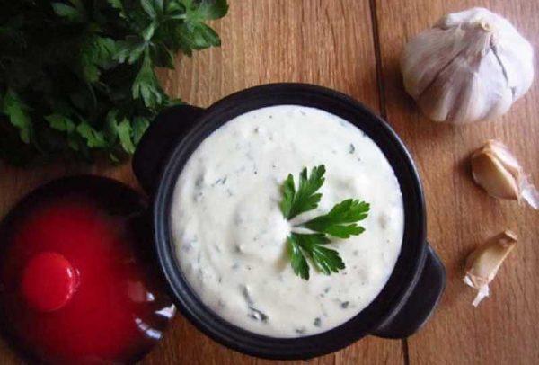 Универсальный кефирный соус