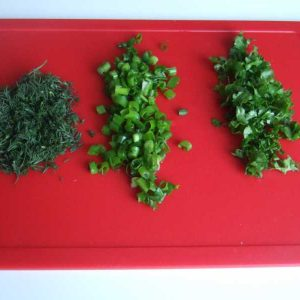 Мелко нарезанная зелень