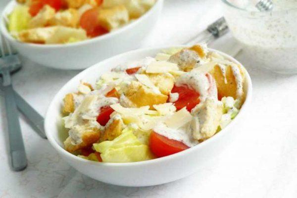 Салат с заправкой из йогурта