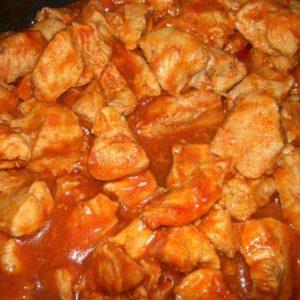 Куринуая грудка с томатной подливой
