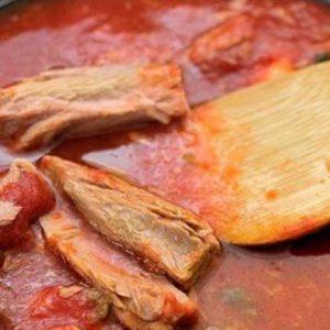 Приготовление соуса из консерв