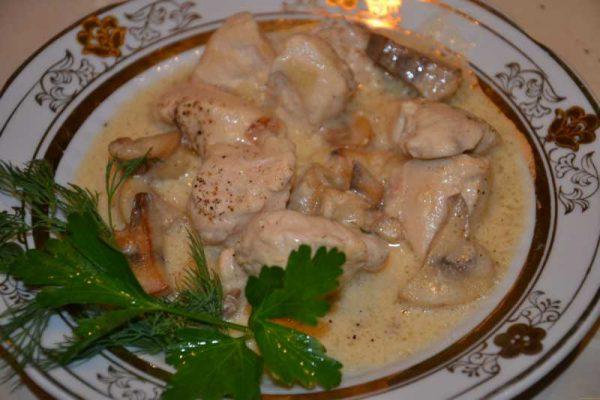 Курица с грибами