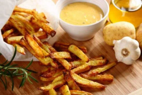 Сырный соус с картофелем