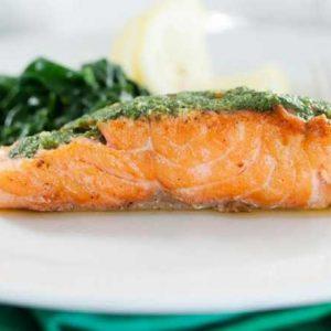 Шпинатный соус подача к рыбе