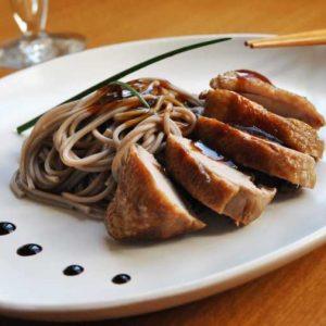 Соус терияки подача с мясом