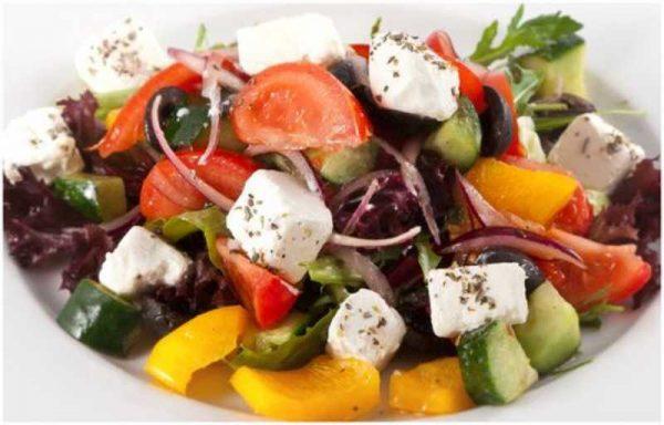 Ароматный греческий салат