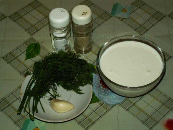 Составляющие сметанного соуса