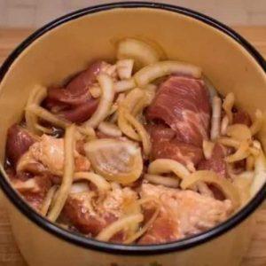 Свинина в маринаде с соевым соусом