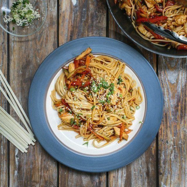Подробный рецепт соуса для домашней лапши