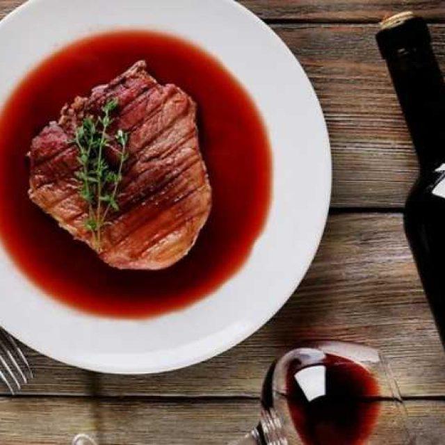Соус с вином к мясным блюдам