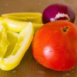 Ингредиенты для сливочной подливы к пюре