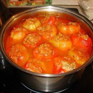 Томатный соус к фаршированным перцам